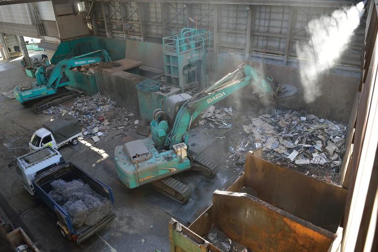前田金属工業01